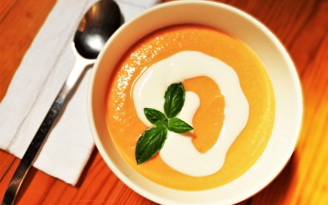 Sopa fria Salmorejo com iogurte