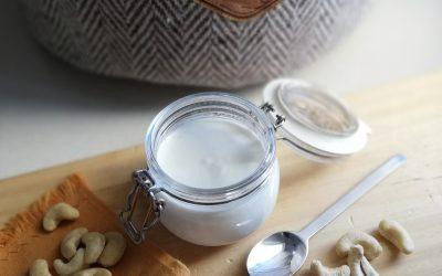Iogurte vegetal de caju caseiro